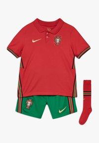Nike Performance - PORTUGAL HM SET - Club wear - gym red/metallic gold - 0