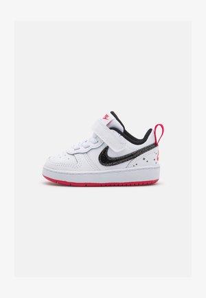 COURT BOROUGH 2 SE BTV - Sneakers - white/black/very berry