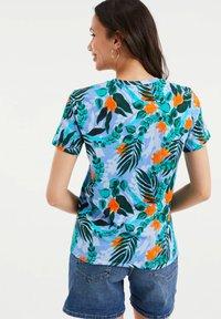 WE Fashion - Print T-shirt - light blue - 2