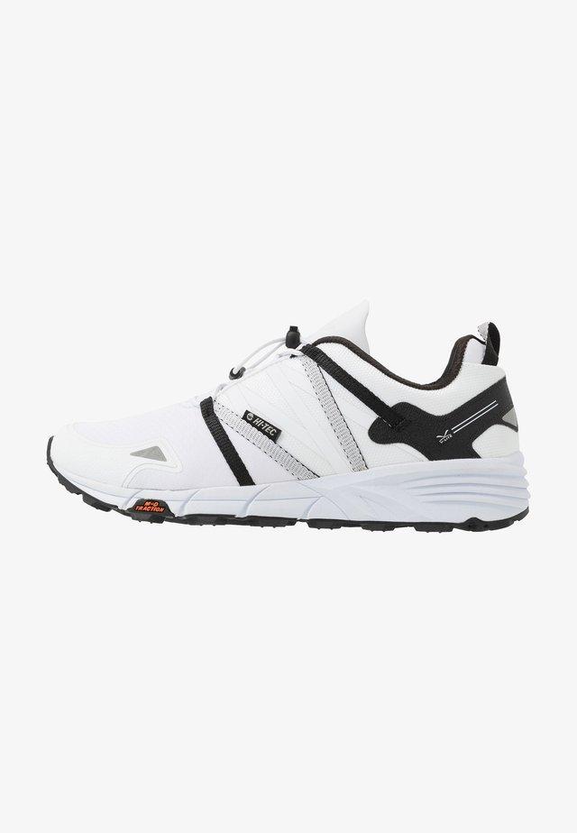 V-LITE-TRAIL RACER LOW - Outdoorschoenen - white/black
