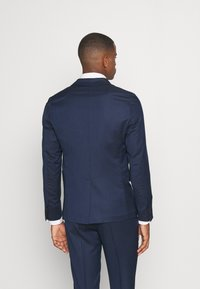 Isaac Dewhirst - THE RELAXED SUIT  - Puku - dark blue - 3