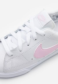 Nike Sportswear - BLAZER - Trainers - white/pink - 5