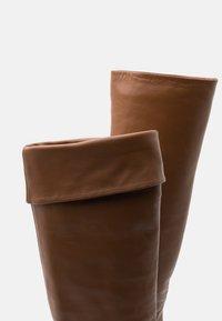 L'Autre Chose - NO ZIP - Over-the-knee boots - camel - 6