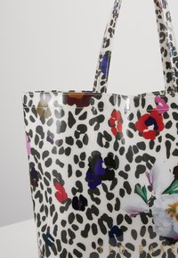 Ted Baker - POLYCON - Bolso shopping - ivory - 6