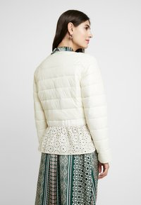Cream - ADELLA QUILTED JACKET - Overgangsjakker - deep off white - 2