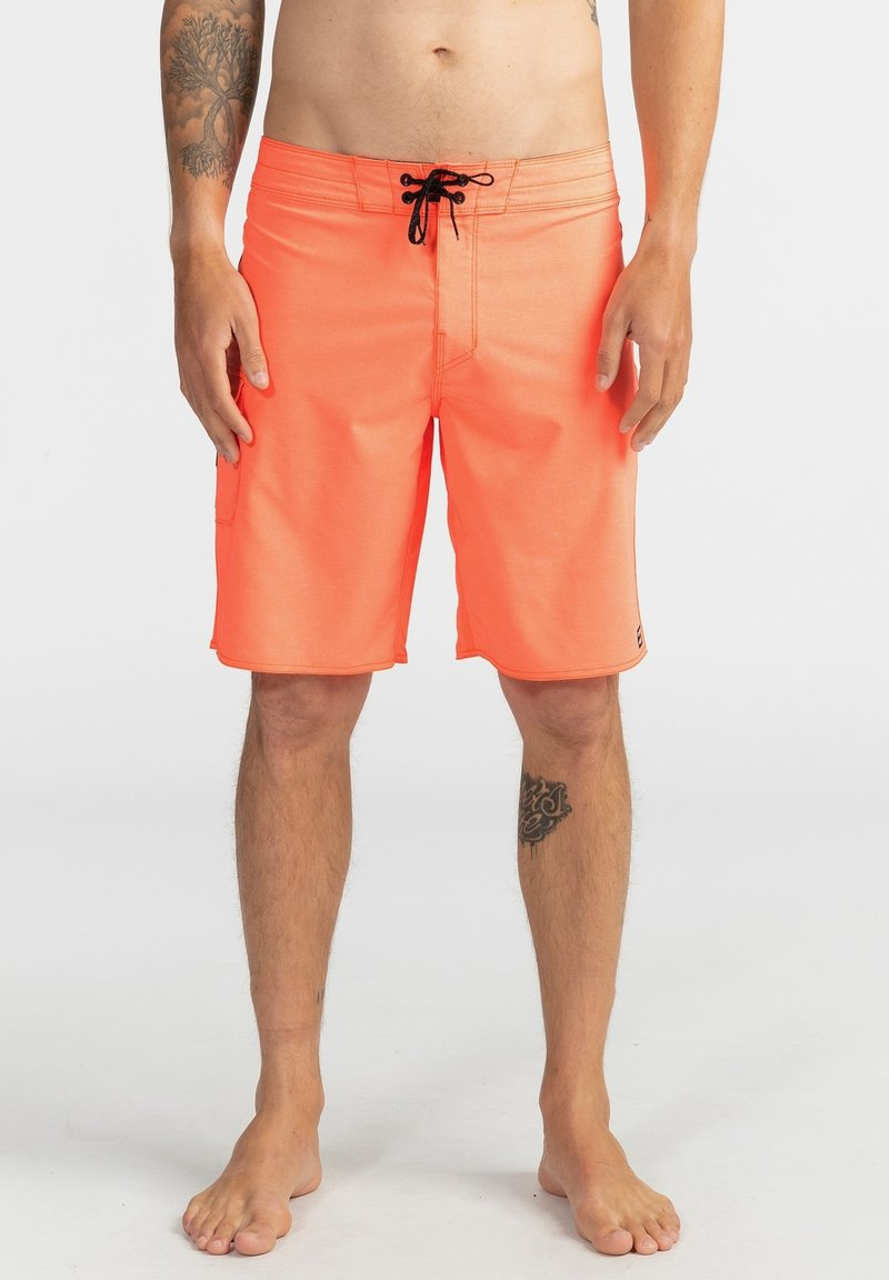 Billabong - ALL DAY PRO - PERFORMANCE  - Shorts da mare - neo orange