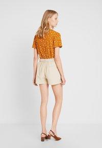 Springfield - GYM - Shorts - beige - 2
