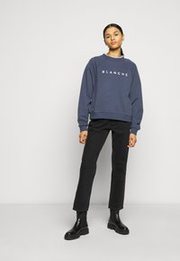 BLANCHE - HELLA EXCLUSIVE - Sweatshirt - indigo/white - 1