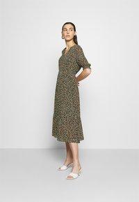 Moss Copenhagen - EDA RIKKELIE DRESS - Day dress - brown / multicolor - 1