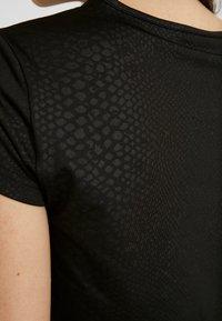 Urban Classics - LADIES STRETCH  CROPPED TEE 2 PACK - Basic T-shirt - black/black - 4