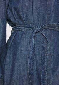 TOM TAILOR - DRESS WITH TIE - Denimové šaty - dark stone wash denim - 5