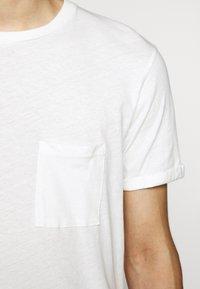 Les Deux - BRENON - Basic T-shirt - offwhite - 6