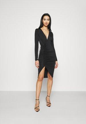 PLUNGE RUCHED DRESS - Žerzejové šaty - black