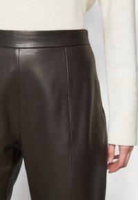 WEEKEND MaxMara - ARIELLA - Leather trousers - dunkel braun - 4