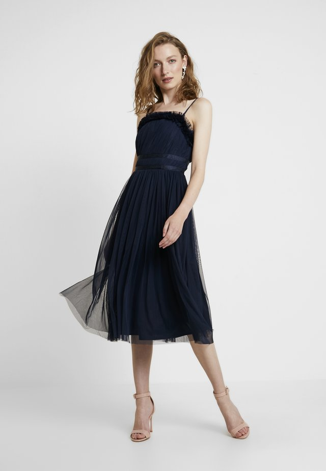 ANAYA GATHERED RUFFLE MIDI - Cocktailkjoler / festkjoler - navy