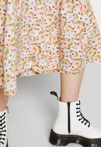 Monki - SIGRID BUTTON SKIRT - A-line skirt - rose - 3