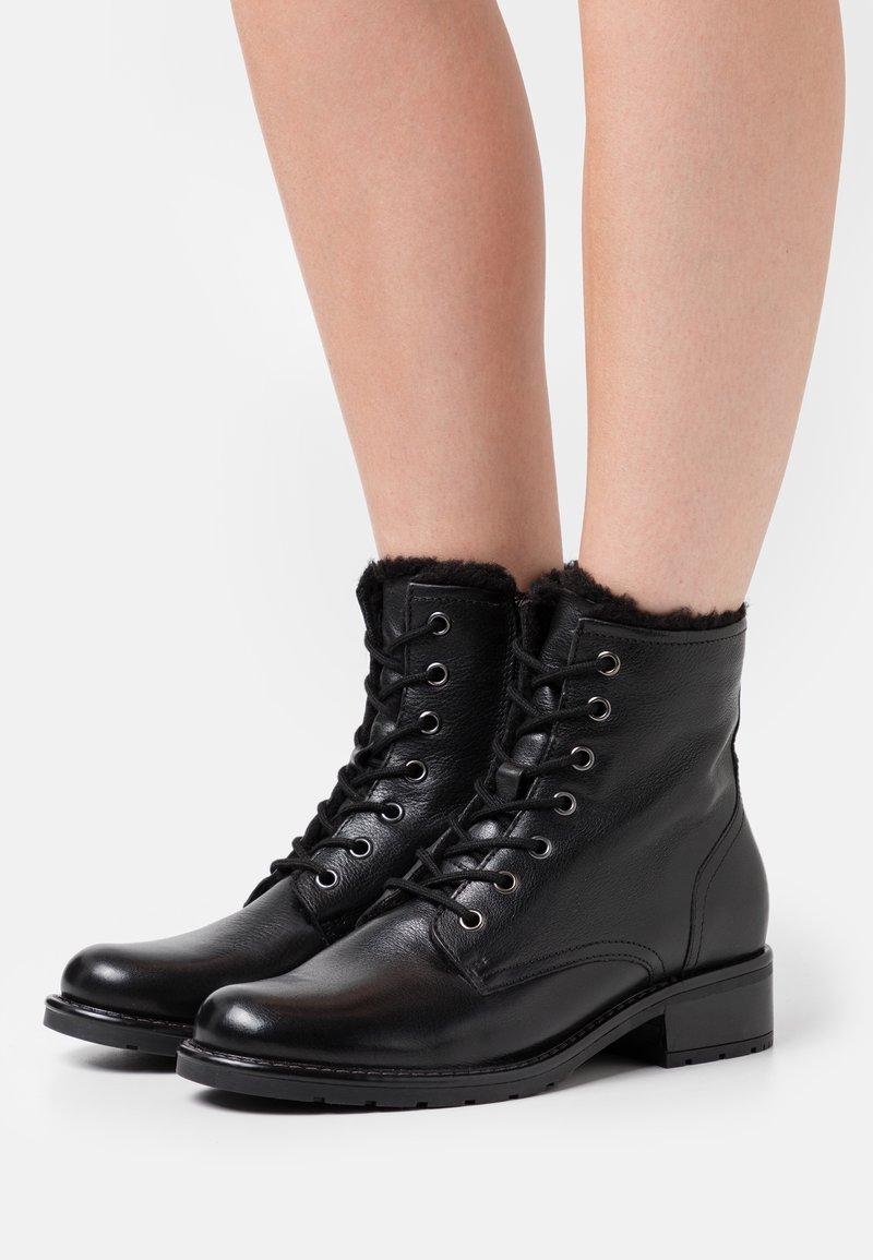 Anna Field - LEATHER - Šněrovací kotníkové boty - black