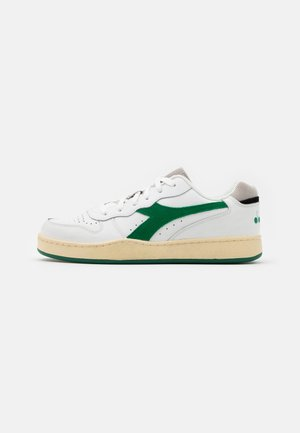 BASKET USED UNISEX - Zapatillas - white/verdant green