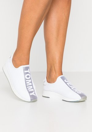 TECHNICAL FLEXI  - Mocasines - white