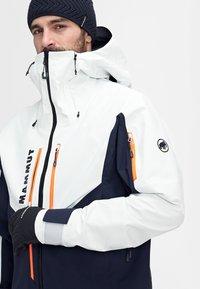 Mammut - Ski jacket - marine-bright white - 11