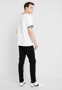Scotch & Soda - MOTT CLASSIC SLIM FIT - Chinos - black - 2