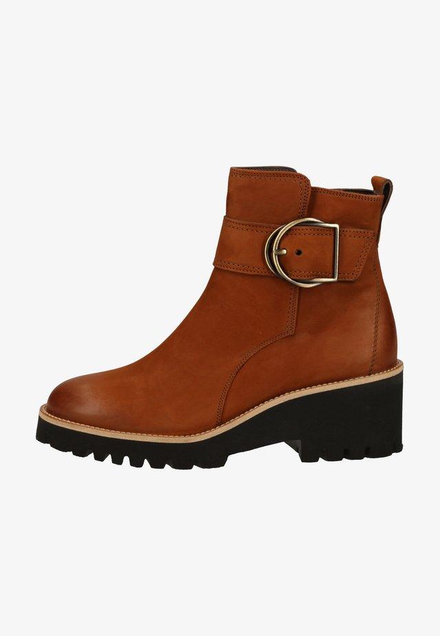 STIEFELETTE - Ankle boots - cognac-braun 007