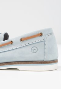 Tamaris - Boat shoes - sky