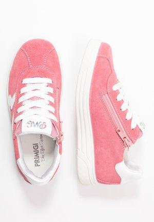 Sneakers basse - geranio/rosa