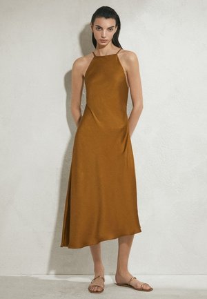 MIT AUSGEFRANSTEM SAUM - Day dress - brown
