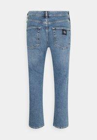 Calvin Klein Jeans - DAD - Relaxed fit -farkut - denim medium - 6