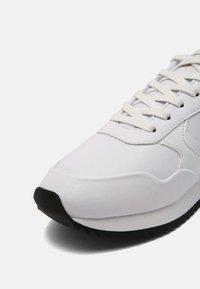 SIKSILK - SENNA - Sneakersy niskie - white - 4