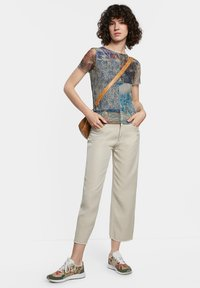 Desigual - Print T-shirt - brown - 1