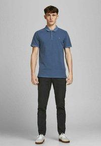 Jack & Jones - JJEWASHED - Polo shirt - navy blazer - 1