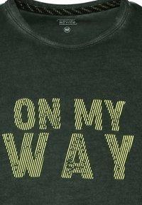 camel active - Print T-shirt - leaf green - 6