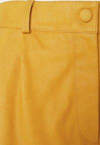 DEPECHE - Shorts - yellow - 2