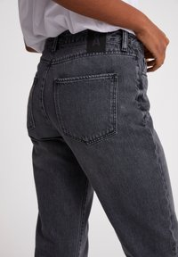 ARMEDANGELS - FJELLAA CROPPED - Straight leg jeans - clouded grey - 2