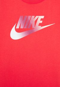 Nike Sportswear - DRESS FUTURA - Robe en jersey - track red/washed coral - 2