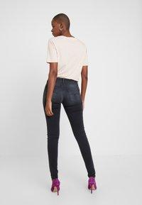 Replay - NEW LUZ HYPERFLEX + - Jeans Skinny Fit - medium grey - 2