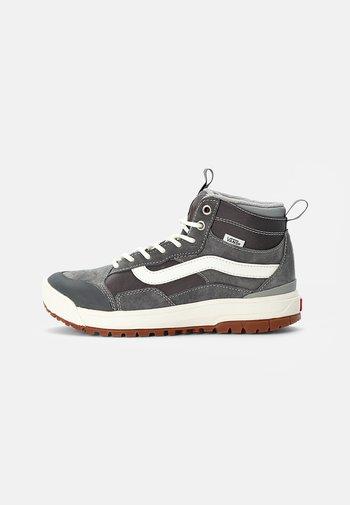ULTRARANGE EXO MTE-1 - Höga sneakers - pewter/drizzle