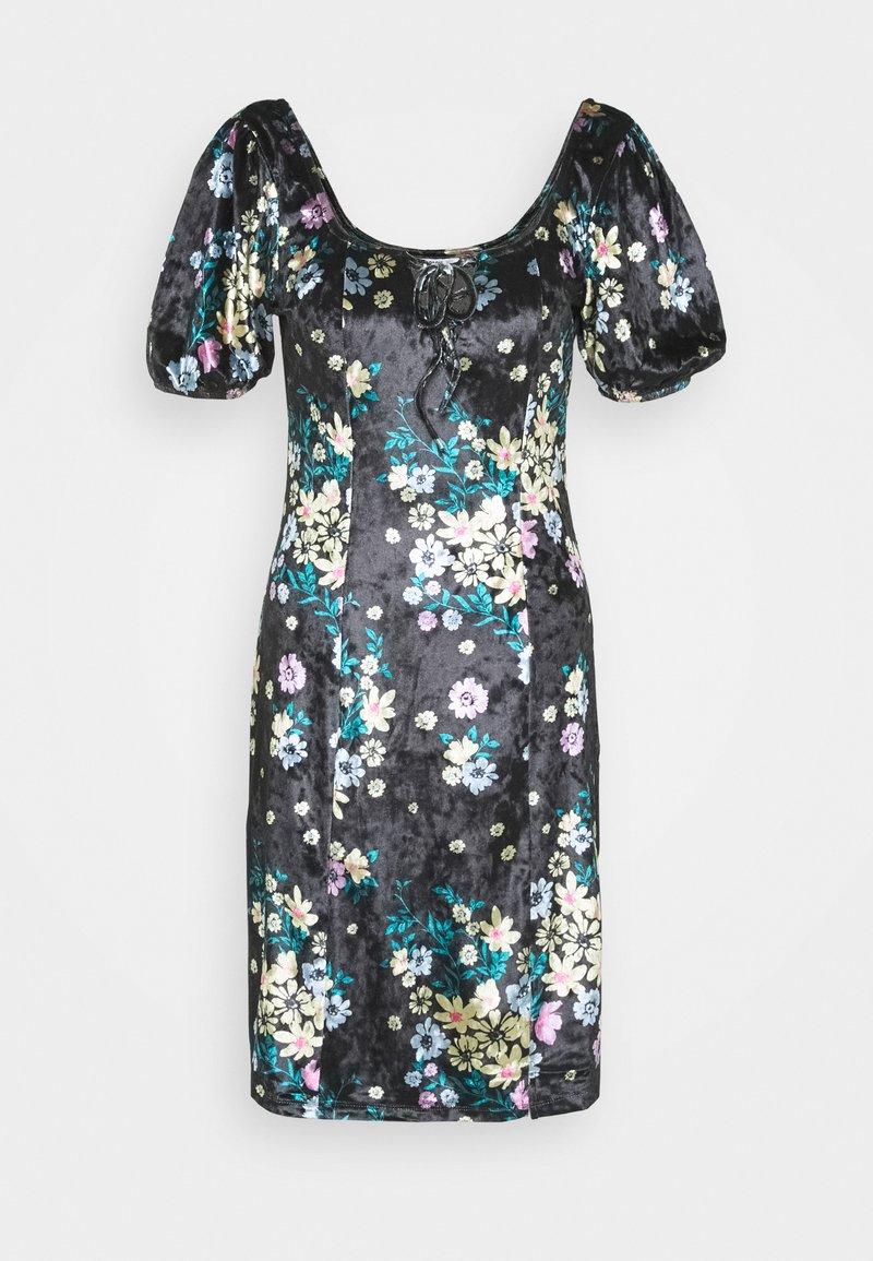 Glamorous Tall - LADIES DRESS FLORAL - Korte jurk - black
