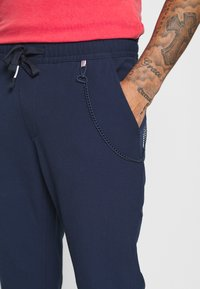 Tommy Jeans - SOLID SCANTON PANT - Bukser - twilight navy - 5
