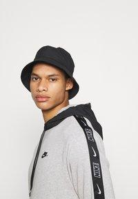Nike Sportswear - Huppari - grey heather/black - 3