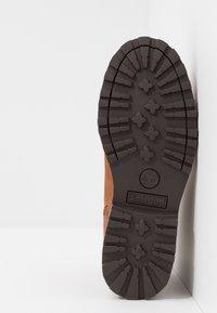 Timberland - COURMA CHELSEA - Korte laarzen - medium brown - 5