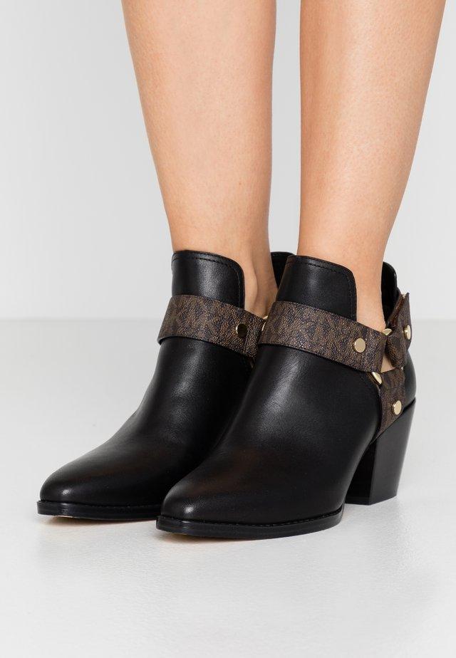 PAMELA - Ankle boot - black/brown