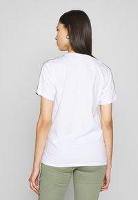 Fila Tall - TANDY TEE - Print T-shirt - bright white/sea spray - 2