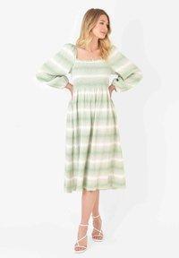 Ro&Zo - Day dress - light green - 0