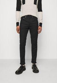 Neil Barrett - SUPER REGULAR RISE  - Jeans Skinny - black - 0