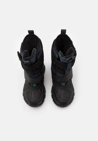 Geox - NEVEGAL BOY ABX - Zimní obuv - dark grey - 3