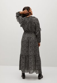 Violeta by Mango - FLOWER - Maxi dress - schwarz - 2