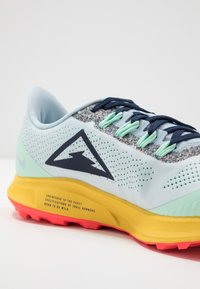 Nike Performance - AIR ZOOM PEGASUS 36 TRAIL - Zapatillas de trail running - aura/blackened blue/light armory blue/mint foam/speed yellow/laser crimson - 5